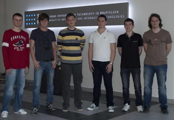 TP CUP 2014: Carlos - zábavný systém pre spolucestujúcich v automobile