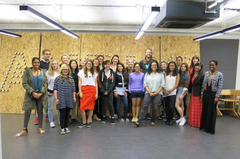 Andreas Savvides: Jedno z mojich najlepších rozhodnutí bolo učiť mladé ženy programovať