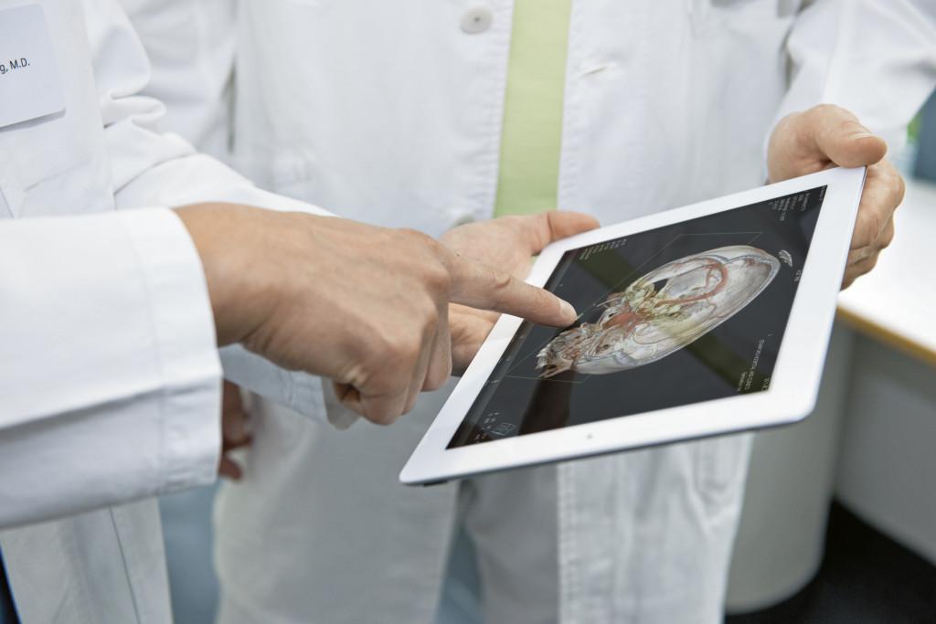 Vďaka kvalitnejšej diagnostike pomocou zobrazovacieho softvéru sa aj IT vývojari podieľajú na záchrane ľudských životov