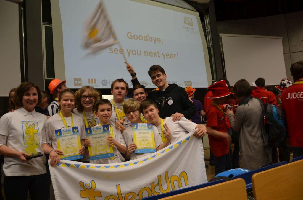 Slovenskí študenti si opäť vybojovali miestenku do USA na Svetový festival FIRST LEGO League 3