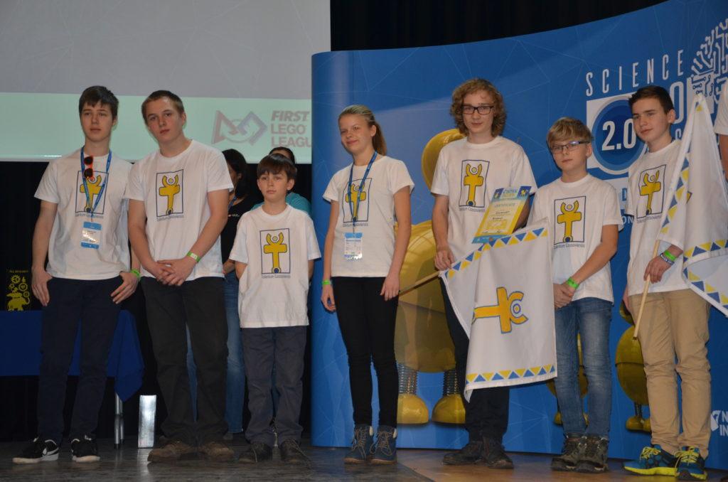Slovenskí študenti si opäť vybojovali miestenku do USA na Svetový festival FIRST LEGO League 9