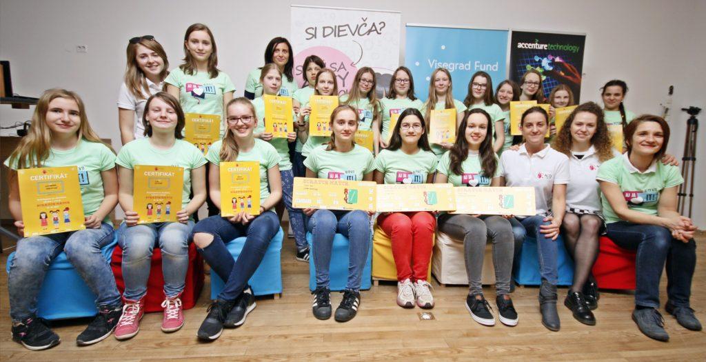 Ako mladé dievčenské tímy programovali v Scratchi: SCRATCHMATCH Slovensko 2017 5