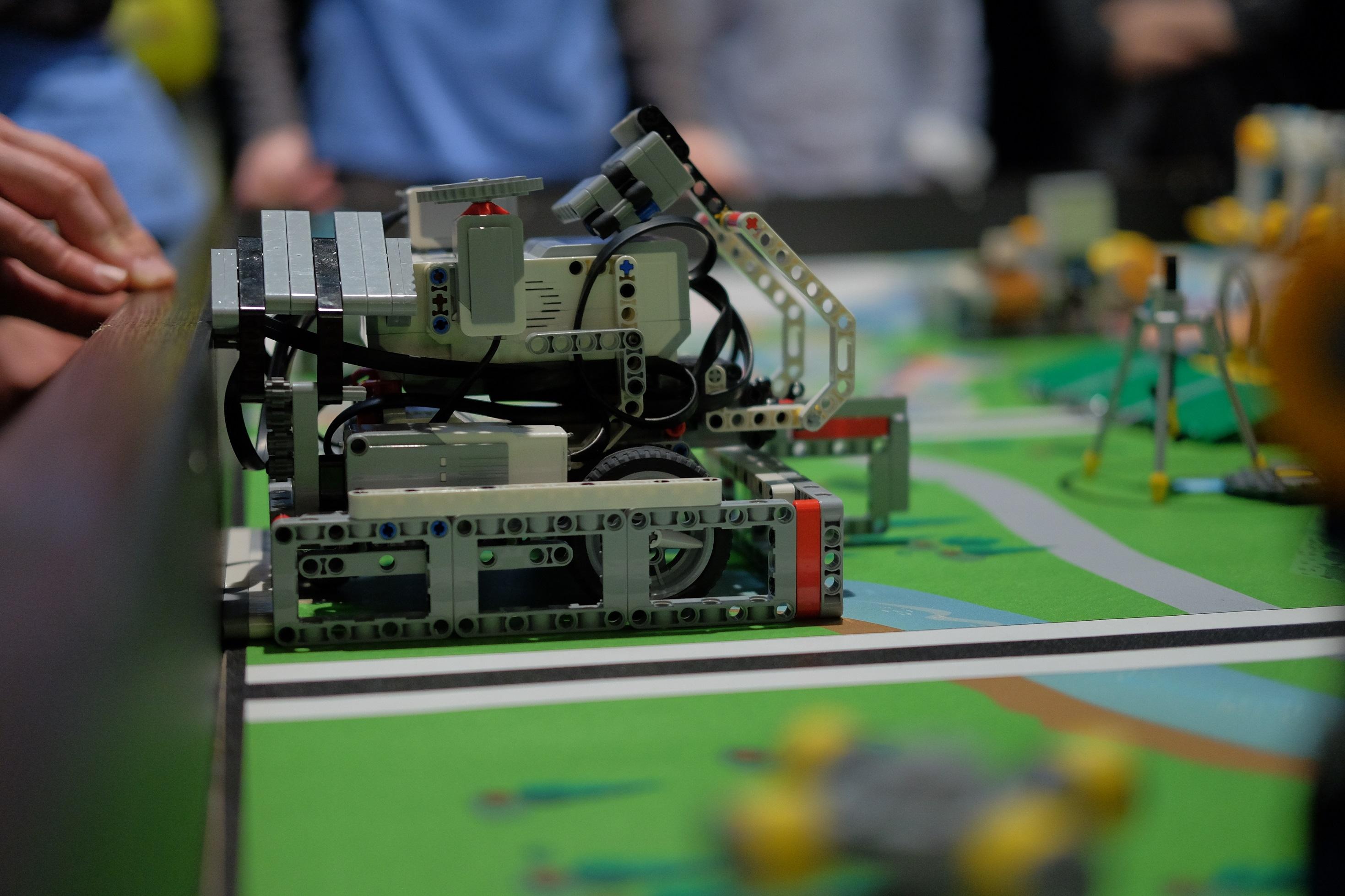 10 tímov zo Slovenska vycestuje s robotmi do Poľska, zabojujú o postup do finále FIRST LEGO League 7