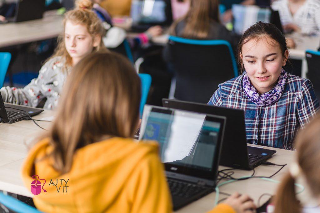 Akadémia programovania vyškolila vprvom roku pôsobenia 140 pedagógov
