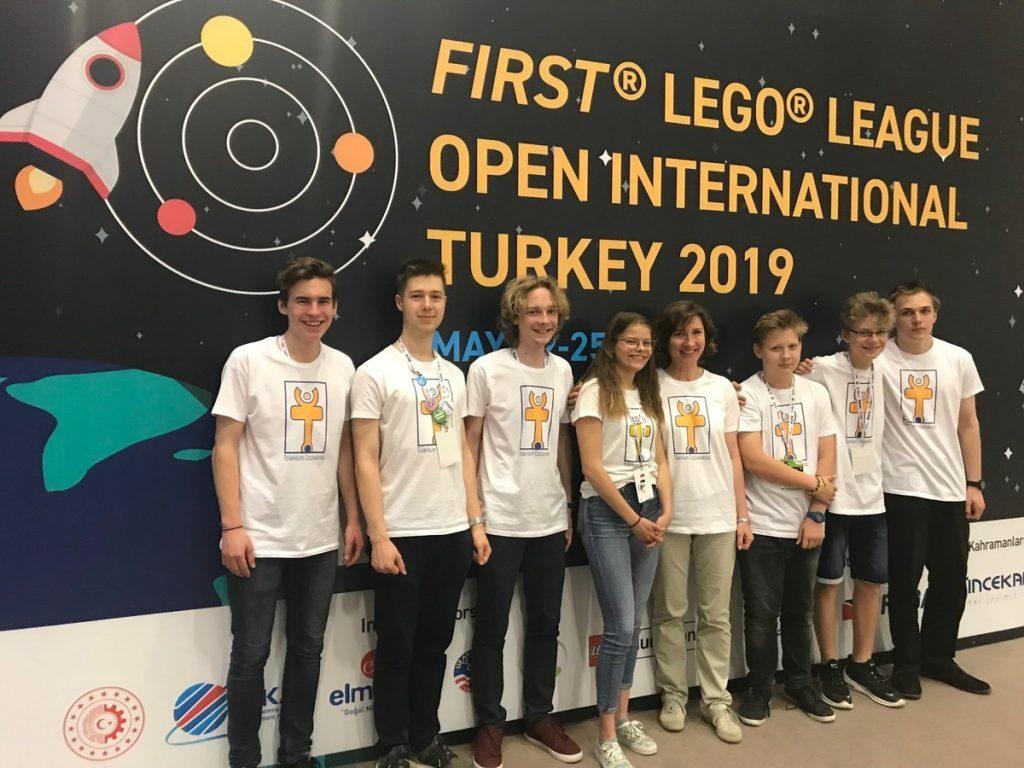 Slovenskí študenti opäť úspešní na medzinárodnej súťaži FIRST LEGO League 3