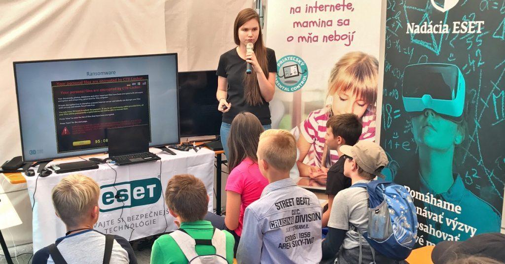 Zuzana Hromcová: Informatika nie je len pre nadšencov, ktorí v detstve rozoberali počítače 3