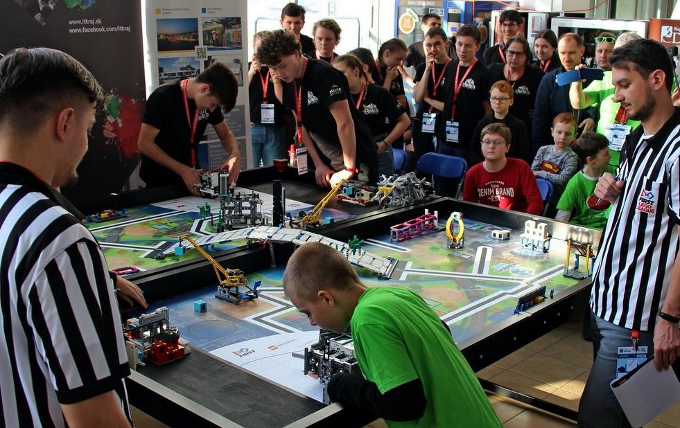 FIRST LEGO League. Ako legom nadchnúť pre vedu a technológie 9